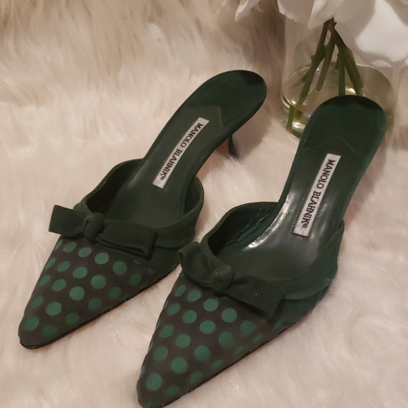 Manolo Blahnik Shoes - NWT MANOLO BLAHNIK GREEN SUEDE KITTEN HEELS